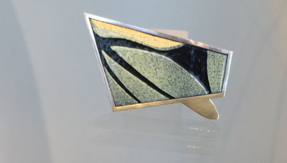green black jewellery as shape of a special square