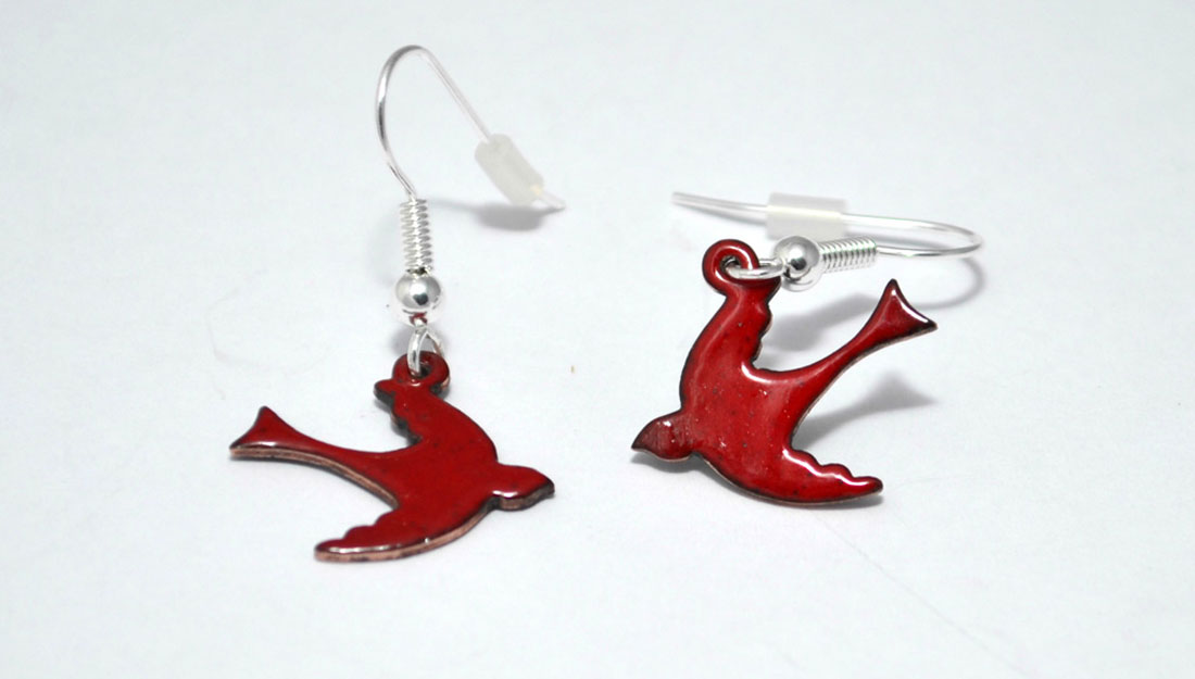 red earrings of Migrating Birds range