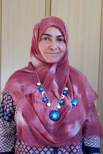 participant wearing her jewellery collection